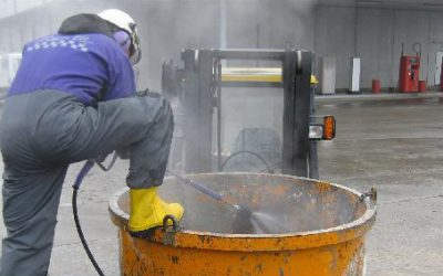 Using a Water Jet Gun in Confined Spaces